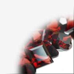 Farbedelsteine und farblose Edelsteine